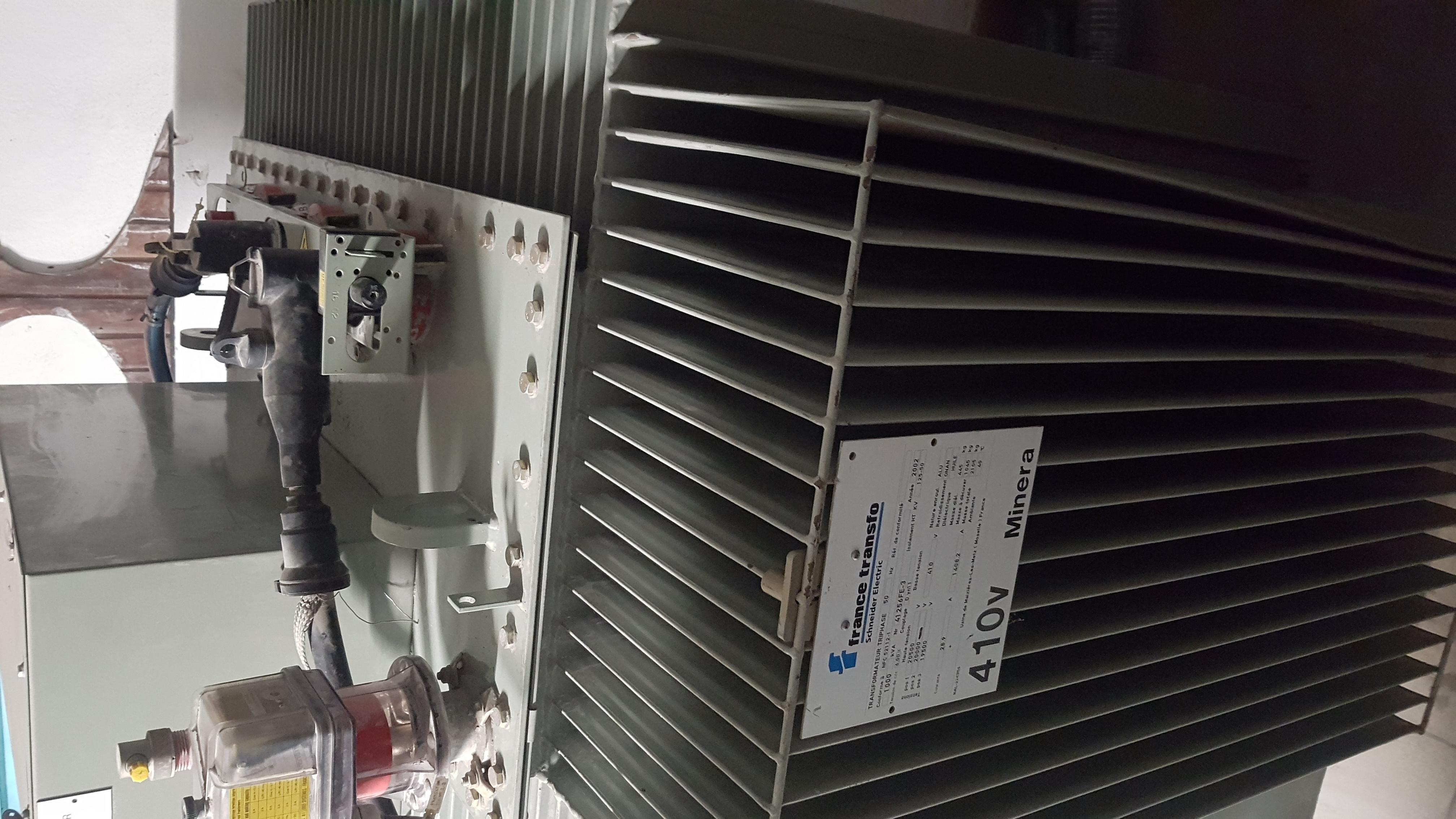 Transformateur   lectrique Schneider 1000 KVA Occasion   cellules de protection